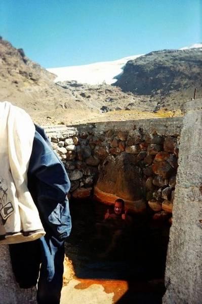 Chris in einem Thermalbecken (Wassertemperatur konstant 35ºC)