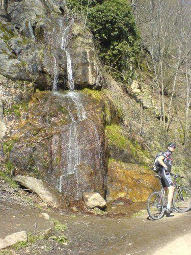 Don Eule am Wasserfall