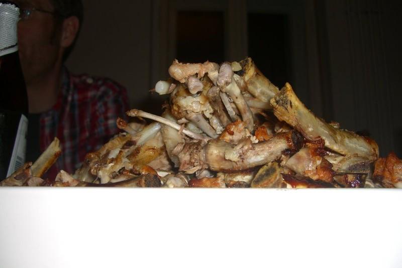 4kg Rippchen, 4kg Hähnchenflügel, 48 Bier, nichts blieb übrig