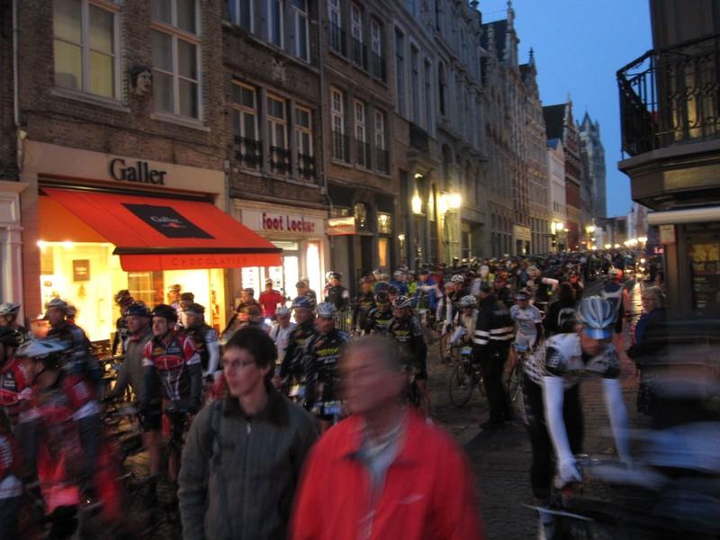 Vor dem Start am Marktplatz in Brugge