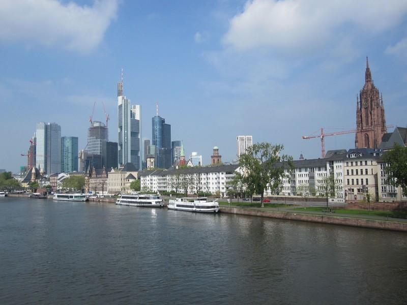 Ausfahrt Frankfurt